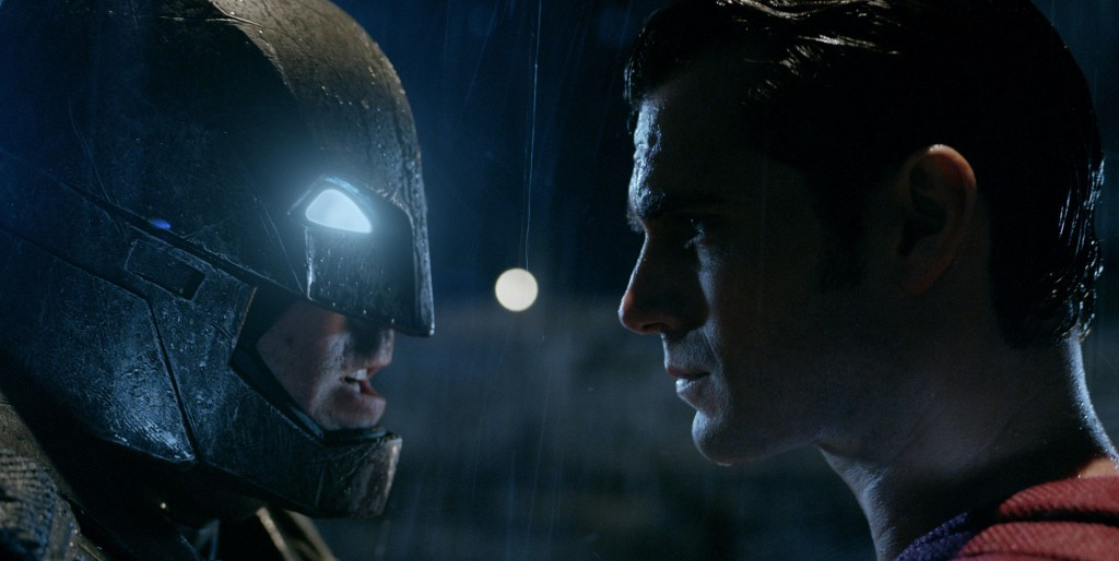 the-three-biggest-takeaways-from-the-latest-batman-v-superman-trailer-with-gifs-502332