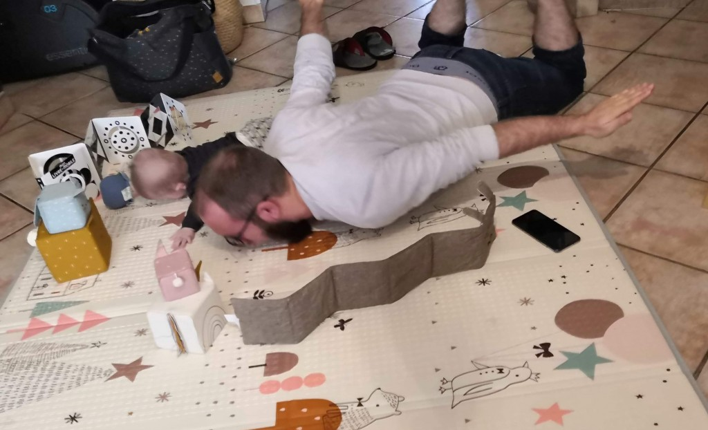 papa bebe tapis eveil jeu loisir