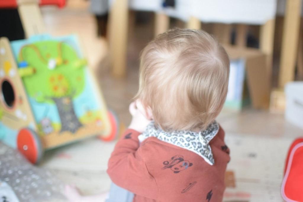enfant bebe ecran jeu activite